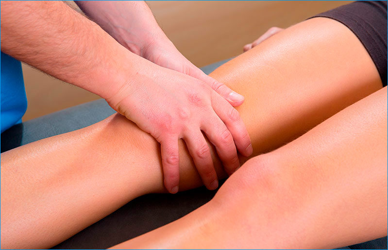 mujer-recibiendo-masaje-drenaje-linfatico